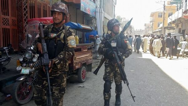 Afghan security forces arrive at the site of an attack in Jalalabad city, eastern Afghanistan May 17, 2017 - Sputnik International