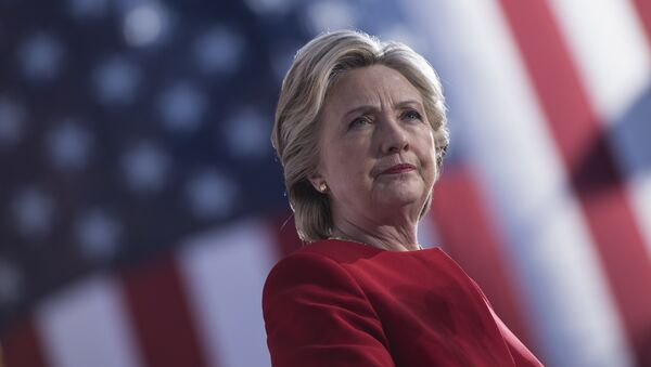 Democratic presidential nominee Hillary Clinton speaks during a rally outside the University of Pittsburgh's Cathedral of Learning November 7, 2016 in Pittsburgh, Pennsylvania. - Sputnik International
