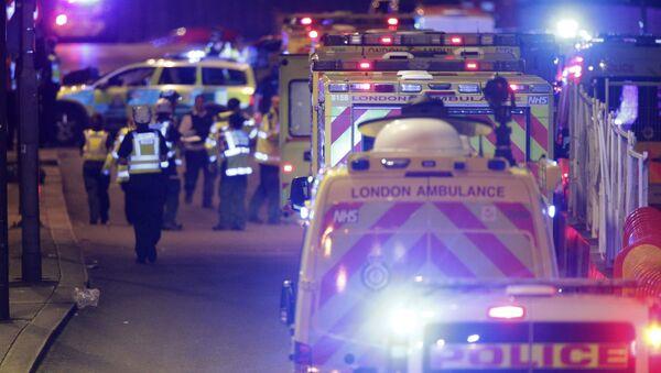 Emergency personnel on London Bridge after an incident in central London, Saturday, June 3, 2017. - Sputnik International