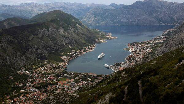 A cruiser ship arrives to UNESCO protected Region of Kotor, Montenegro April 27, 2017 - Sputnik International