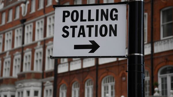 A polling station sign is seen ahead of the forthcoming general election, in London, Britain June 6, 2017.  - Sputnik International