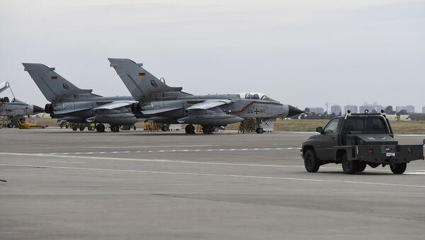 German Tornado jets on the ground at the air base in Incirlik, Turkey (File) - Sputnik International