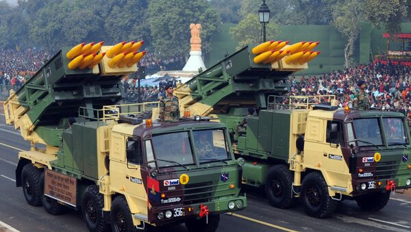Pinaka 214MM multi-barrel rocket launchers roll during the final full dress rehearsal for the Indian Republic Day parade in New Delhi on 23 January 2011 - Sputnik International