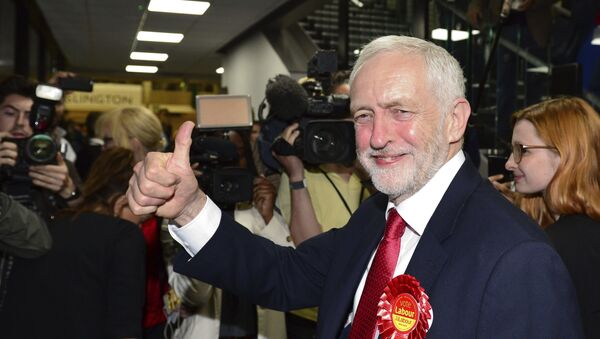 Britain's Labour party leader Jeremy Corbyn gestures as he arrives for the declaration at his constituency in London, Friday, June 9, 2017. - Sputnik International