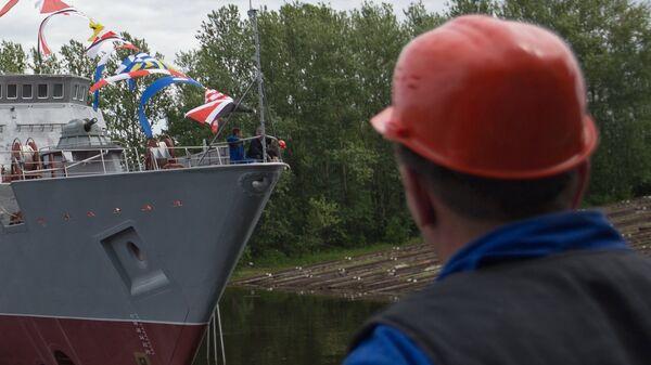 Sredne-Nevsky Shipyard worker. (File) - Sputnik International