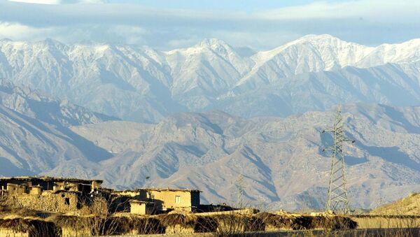 Tora Bora mountains in Afghanistan are seen from the Pakistani village of Arawali. (File) - Sputnik International