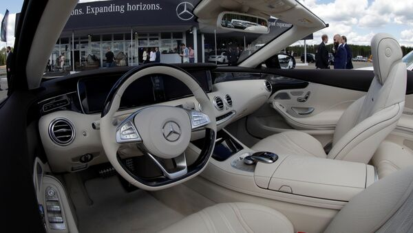 The interior of a Mercedes-Benz car is seen at a new Mercedes-Benz plant's cornerstone laying ceremony in the town of Esipovo outside Moscow, Russia, June 20, 2017 - Sputnik International