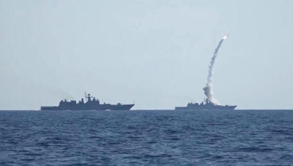 Kalibr cruise missiles hit banned terrorist group ISIS targets in Syria - Sputnik International