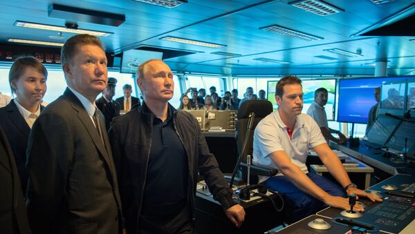 Russian President Vladimir Putin held phone talks with his Turkish counterpart Recep Tayyip Erdogan aboard an installation vessel, informing him that pipe-laying work has started at the Turkish Stream pipeline's deep-water section. - Sputnik International