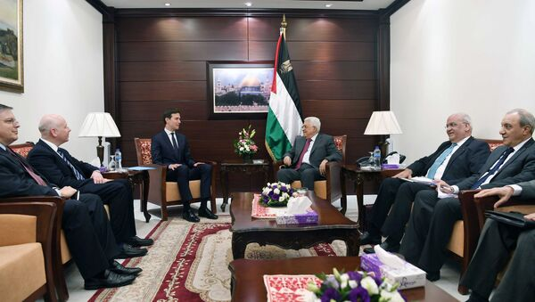 Palestinian President Mahmoud Abbas meets with White House senior advisor Jared Kushner in the West Bank City of Ramallah June 21, 2017 - Sputnik International