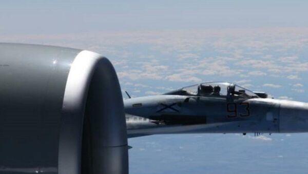 A U.S. RC-135U flying in international airspace over the Baltic Sea was intercepted by a Russian SU-27 Flanker June 19, 2017 - Sputnik International