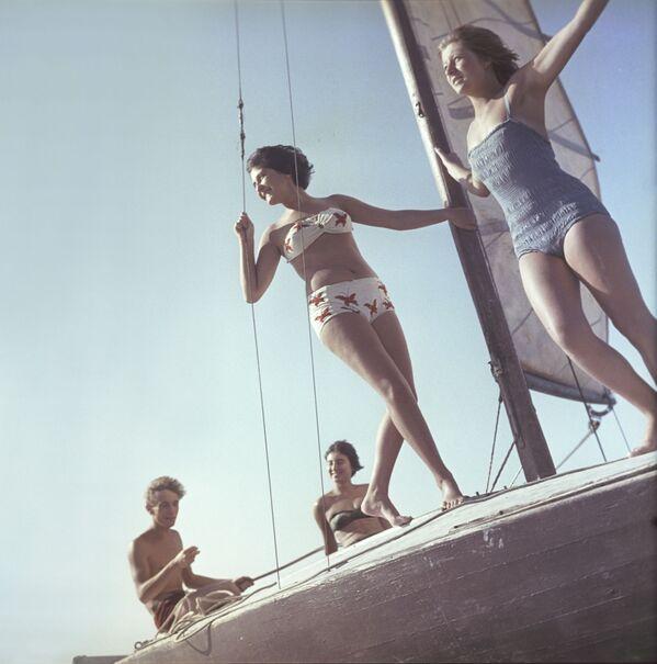 Made in USSR: Soviet Girls' Natural Beauty Stuns and Amazes - Sputnik International