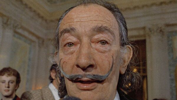 In this May 21, 1973 file photo, Spanish surrealist painter Salvador Dali, presents his first Chrono-Hologram in Paris, France. - Sputnik International