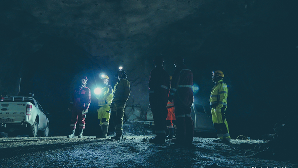 Mining engineers and telecoms experts in the Kankberg mine in northern Sweden, where a unique project has been led by Ericsson. - Sputnik International