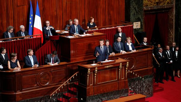 French President Emmanuel Macron (C) delivers a speech during a special congress gathering both houses of parliament (National Assembly and Senate) at the Versailles Palace, near Paris, France, July 3, 2017. - Sputnik International