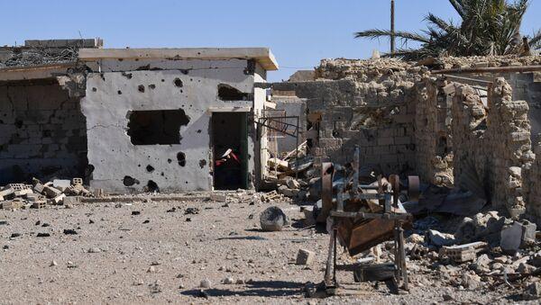 A destroyed house in Syria - Sputnik International