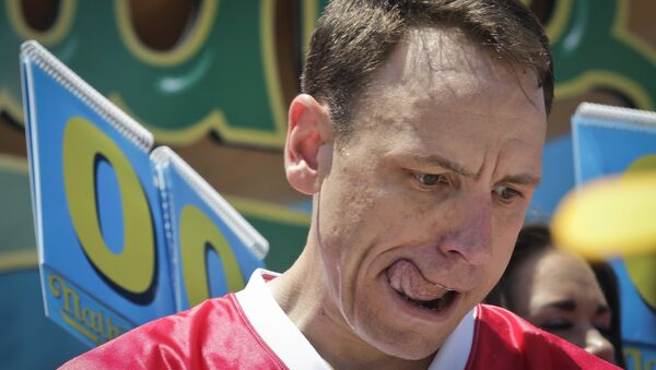 Joey Chestnut prepares for the start of the Nathan's Annual Famous International Hot Dog Eating Contest, Tuesday July 4, 2017, in New York. - Sputnik International