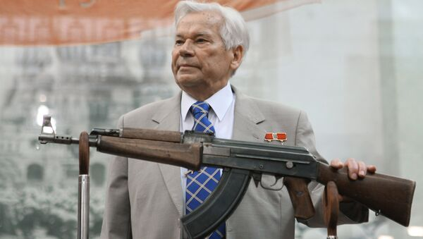 Legendary Russian gun-maker Lieutenant General and Hero of Socialist Labor Mikhail Kalashnikov attended official function marking the 60th anniversary of developing the AK-47 assault rifle. - Sputnik International