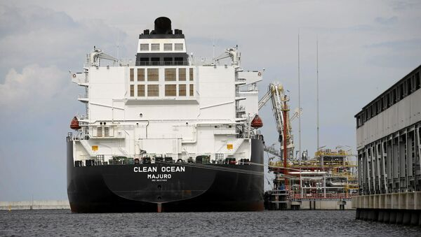The LNG tanker Clean Ocean is pictured during the first US delivery of liquefied natural gas to LNG terminal in Swinoujscie, Poland June 8, 2017. - Sputnik International