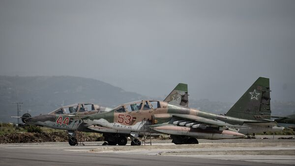 Russian Su-25 attack planes at the Hmeimim airbase in the Latakia Governorate of Syria. - Sputnik International