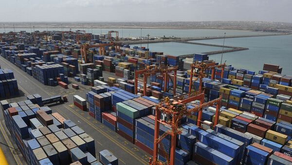 A picture shows containers and a general view of the port of Djibouti, on March 27, 2016. - Sputnik International