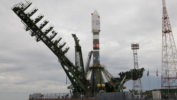 Soyuz-2.1a rocket being moved to a launch pad at the Baikonur Cosmodrome - Sputnik International