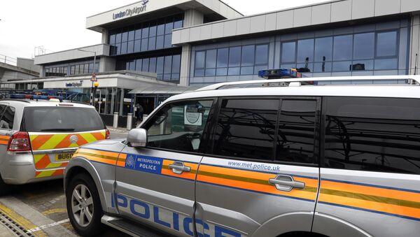Police cars parked outside London City Airport (File) - Sputnik International