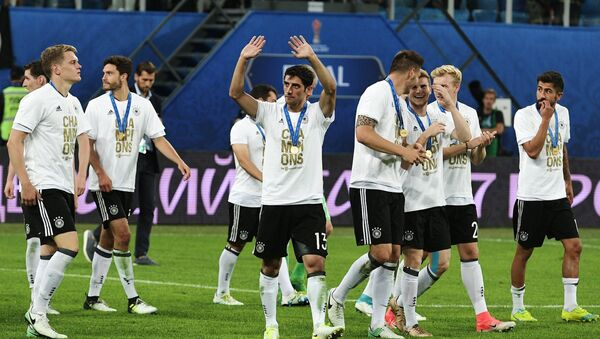 Germany's national team, the winner of the 2017 FIFA Confederations Cup, during the medal ceremony following the final match between Chile and Germany - Sputnik International