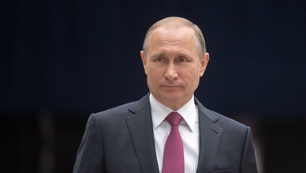 Russian President Vladimir Putin answers journalists' questions - Sputnik International