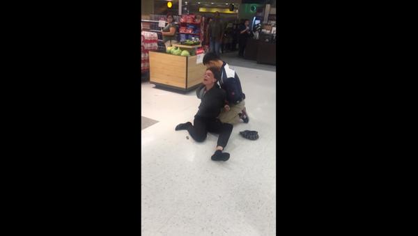 Target shopper goes on racist rant in North Hollywood, California - Sputnik International