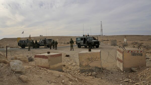 Israeli soldiers stand near the Israel and Egypt border. (File) - Sputnik International