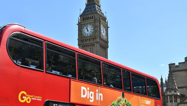 A bus in seen in front of the Houses of Parliament in London on June 10, 2017 - Sputnik International