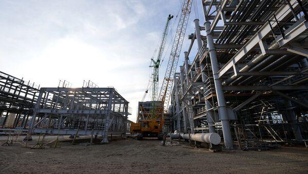 Natural gas liquefaction plant under construction in Yamal - Sputnik International