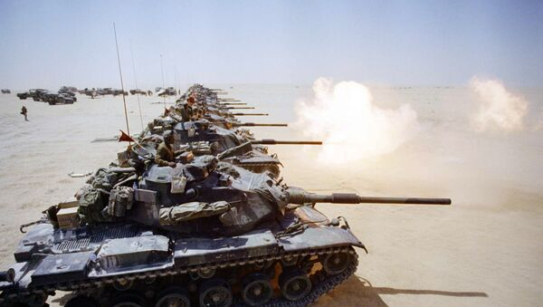 After weeks of waiting, a column of US Marine Corps M-60 tanks began firing live ammunition in the Saudi desert on Friday, September 14, 1990 in Saudi Arabia. - Sputnik International