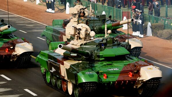 An Indian army T-90 (Bhishma) tank is seen during the full dress rehearsal for the upcoming Indian Republic Day parade in New Delhi  - Sputnik International