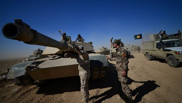 Shi'ite Popular Mobilization Forces (PMF) with Iraqi army are seen on the outskirts of Tal afar, Iraq, August 20, 2017 - Sputnik International