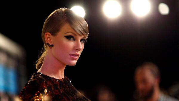 Singer Taylor Swift arrives at the 2015 MTV Video Music Awards in Los Angeles, California, U.S. August 30, 2015 - Sputnik International
