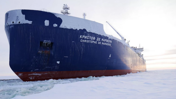 Russian-owned liquid natural gas tanker ship the Christophe de Margerie has made the first unaided transit of the Northern Sea Route. - Sputnik International