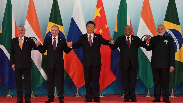 Президент РФ В. Путин принял участие во встрече лидеров БРИКС - Sputnik International