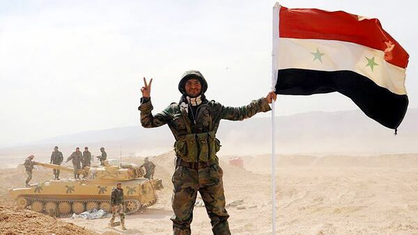 The Syrian army servicemen, broke the three-year siege of Deir ez-Zor, in the area of the 137th mechanized brigade in Syria - Sputnik International