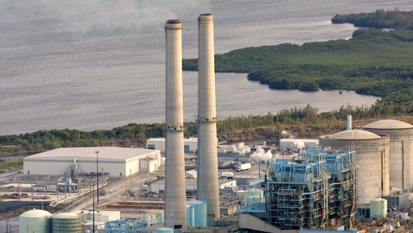 FILE- In this Feb. 26, 2009 file photo, the Turkey Point nuclear plant south of Miami is shown. - Sputnik International