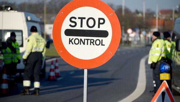 Danish police have set up a border control point at the border town of Krusa bei Flensburg. (File) - Sputnik International