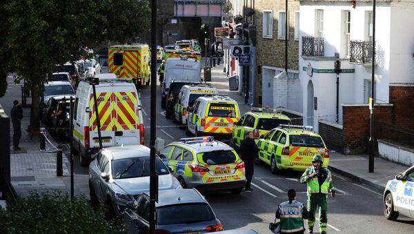 Police vehicles line the street near Parsons Green tube station in London, Britain September 15, 2017 - Sputnik International
