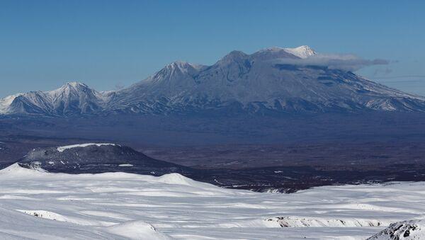 Zhupanovsky Volcano in Kamchatka. File photo - Sputnik International