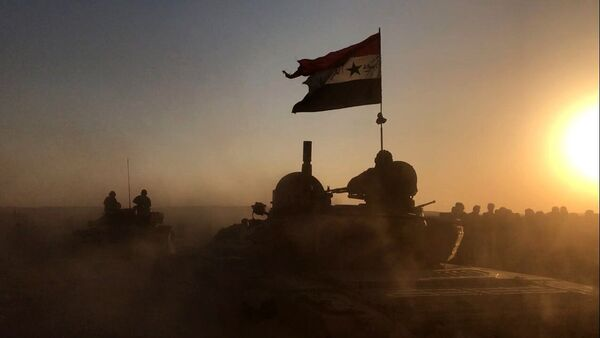Tanks of the Syrian Army at combat positions in Deir ez-Zor - Sputnik International