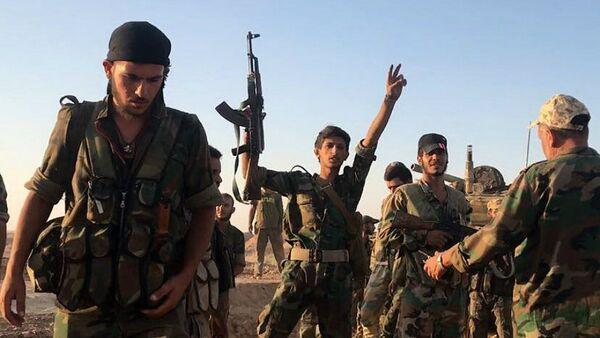 Syrian Army soldiers at combat positions near Deir ez-Zor - Sputnik International