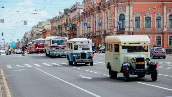 Bus parade in St. Petersburg - Sputnik International
