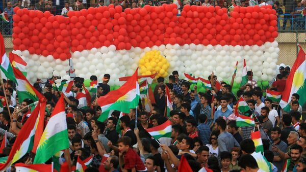 Kurdish people attend a rally to show their support for the upcoming September 25th independence referendum in Duhuk, Iraq September 16, 2017 - Sputnik International