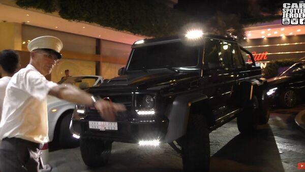 TO BIG FOR MONACO!   BRABUS Mercedes B63S 700 6x6 CANT PARK ANYWHERE! - Sputnik International
