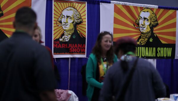 People view products at the Cannabis World Congress and Business Exposition, a trade show for the legalized adult use, medical marijuana and industrial hemp industries, in Los Angeles, California, U.S., September 15, 2017. - Sputnik International